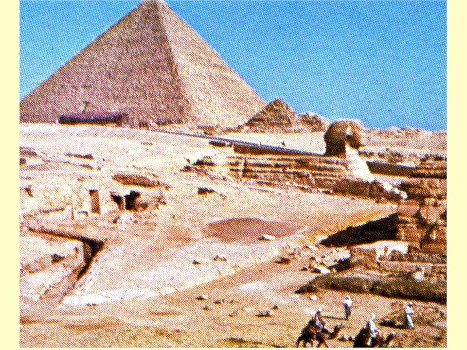 La Sfinge e le Piramidi