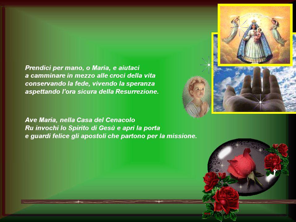 Ave Maria, accanto alla Croce Tu hai creduto nella potenza dell'Amore e l'Amore ti ha consacrato Madre dell'umanità.