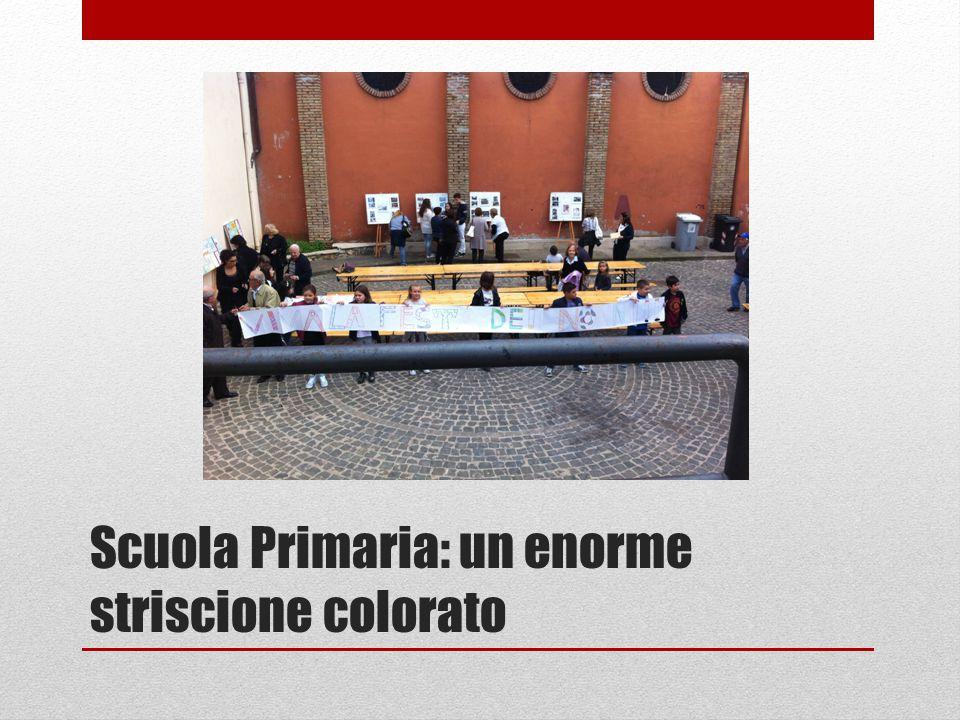 Scuola Primaria: un enorme striscione colorato