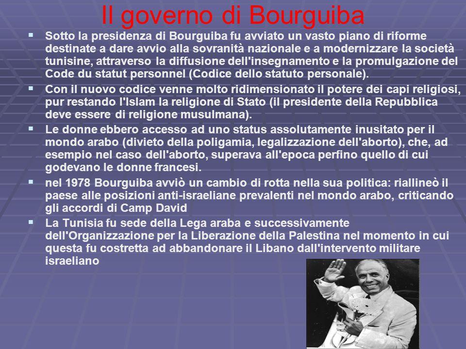 Il governo di Bourguiba   Sotto la presidenza di Bourguiba fu avviato un vasto piano di riforme destinate a dare avvio alla sovranità nazionale e a modernizzare la società tunisine, attraverso la diffusione dell insegnamento e la promulgazione del Code du statut personnel (Codice dello statuto personale).