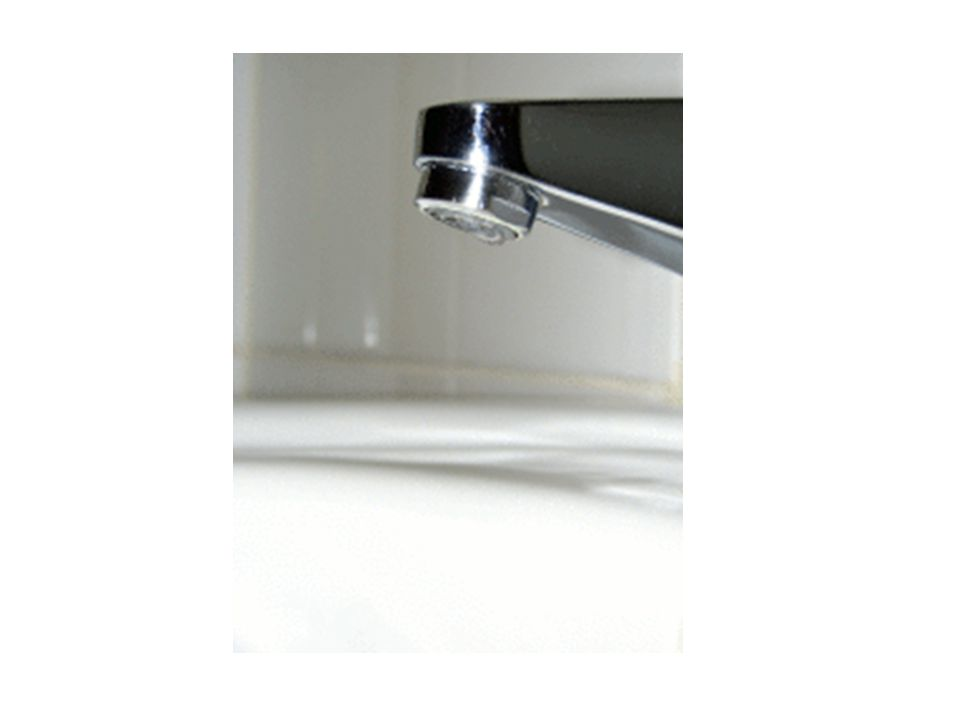 CAPILLARITA' Si manifesta sulla superficie del liquido in contatto col solido che può presentarsi sollevata (nel caso dell acqua) o infossata (nel caso del mercurio) rispetto al resto della superficie.