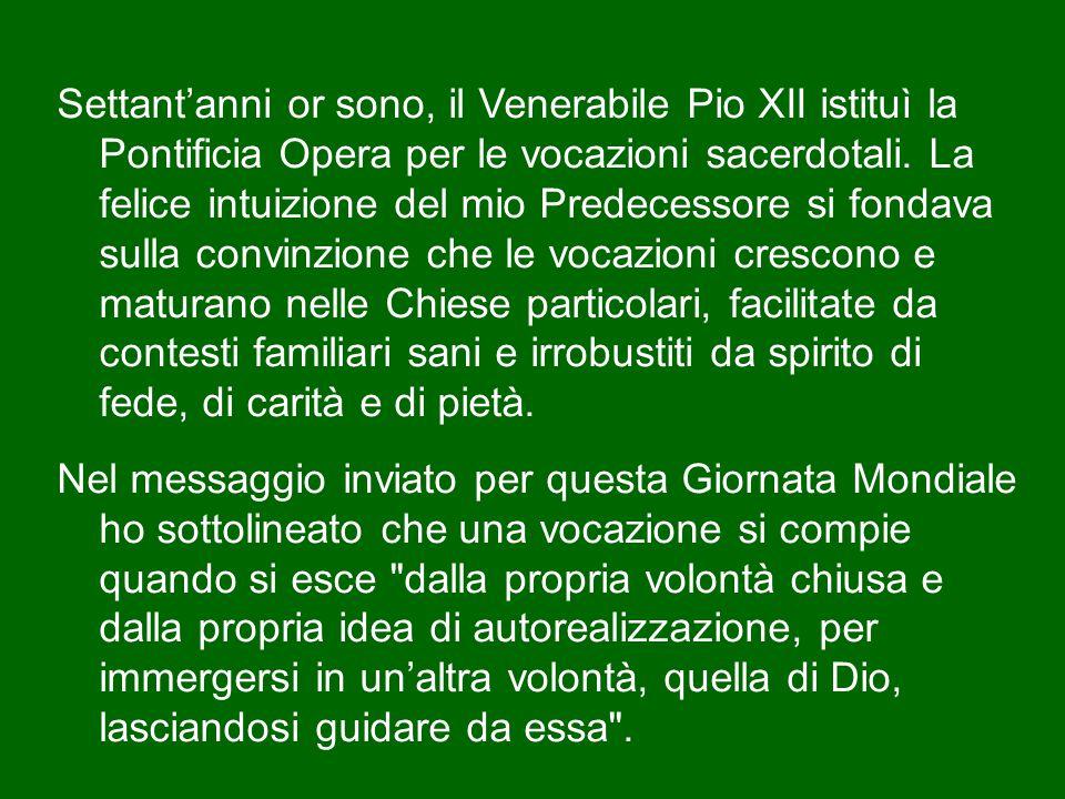 Vi invito pertanto a una speciale preghiera per i Vescovi – compreso il Vescovo di Roma.