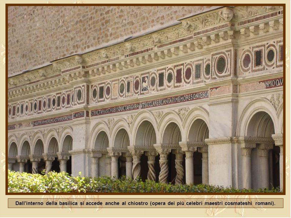 Il chiostro del monasterio della basílica
