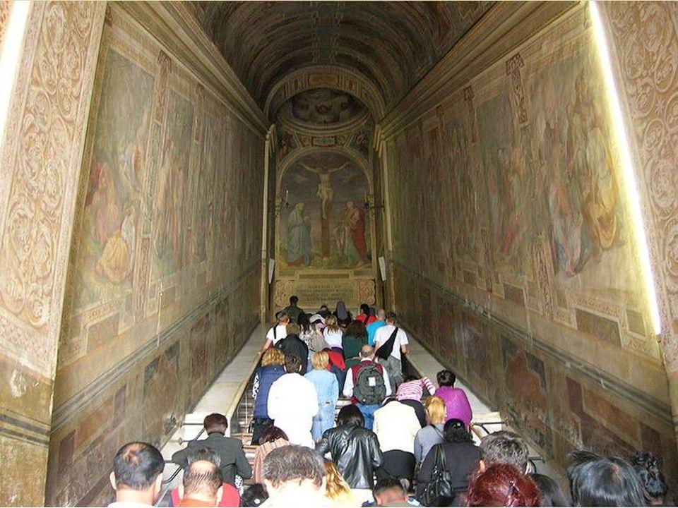 Con la costruzione del nuovo palazzo, i resti dell'antico Patriarchio vennero traslati in un nuovo edificio, detto di San Salvatore alla Scala Santa o