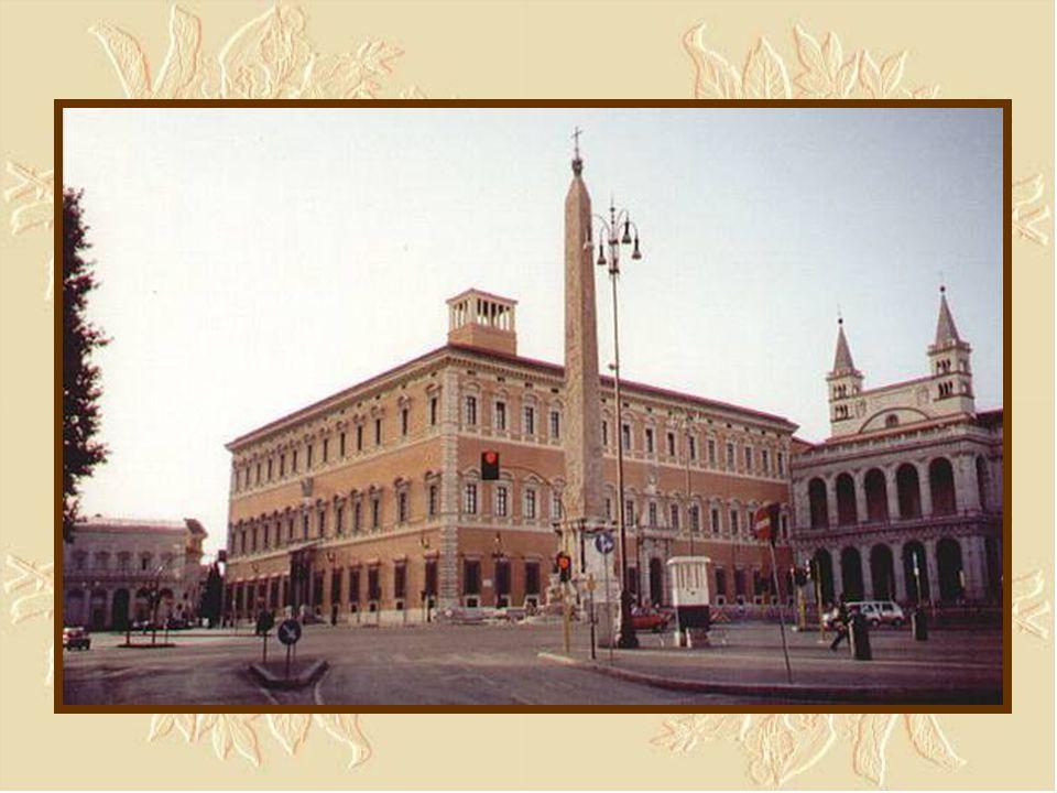 La Basilica Laterana - Il Palazzo e l'entrata laterale della basilica