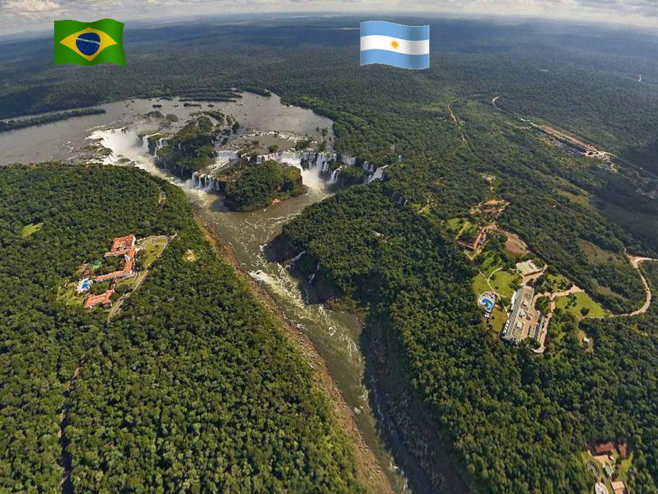 Le cascate dell'Iguazú (port. Cataratas do Iguaçu, sp. Cataratas del Iguazú, guaraní Chororo Yguasu) sono cascate generate dal fiume Iguazú al confine