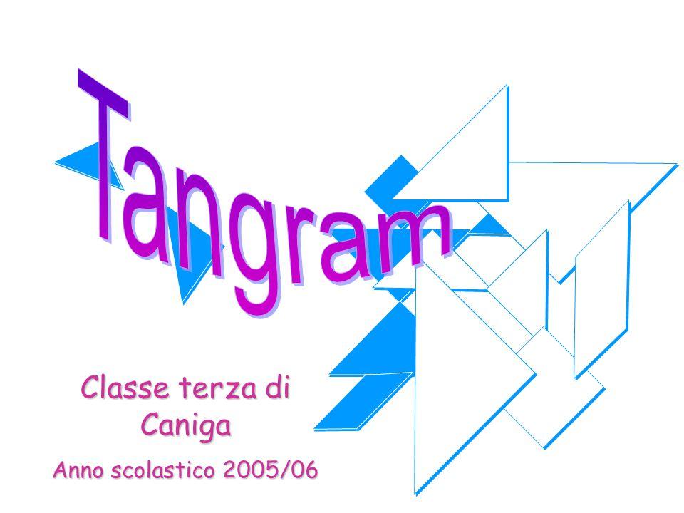 Davide e Michael ci mostrano come costruire il Tangram servendosi della carta e delle forbici Si costruisce un quadrato, partendo da un foglio di carta rettangolare Si ritaglia la parte in più Si taglia il quadrato ottenuto lungo l'asse di simmetria e si ottengono due triangoli Si prende un triangolo e lo si divide in due parti Si taglia a metà, ottenendo i due triangoli grandi del Tangram Si piega uno dei triangoli e si taglia, ottenendo il triangolo medio e un trapezio isoscele Si divide a metà il trapezio isoscele e si taglia, ottenendo due trapezi rettangoli Si piega un trapezio rettangolo e si taglia.