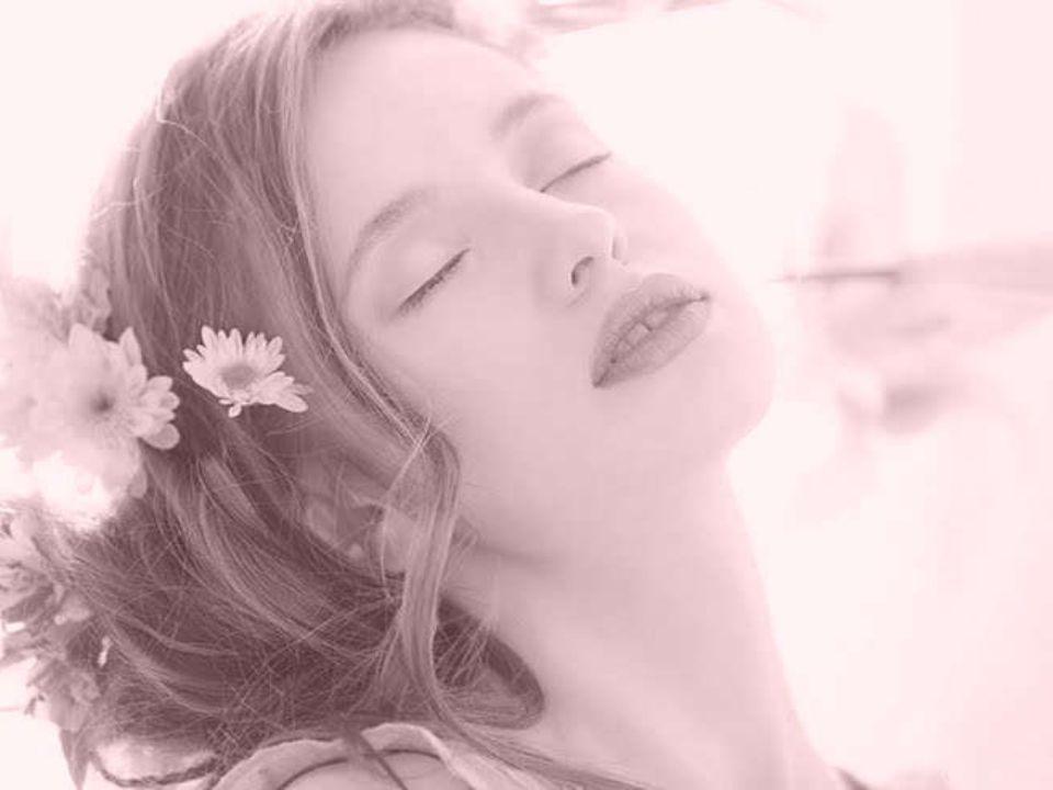 Che quando finalmente mi trovasti il tuo secolare desiderio trovò una pace perfetta nel mio gentile parlare, nei miei occhi e nelle mie labbra e nei miei capelli fluenti?