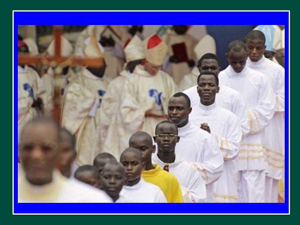 Preghiamo la Vergine Maria, perché benedica la II Assemblea sinodale per l'Africa e ottenga pace e sviluppo per quel grande e amato Continente.
