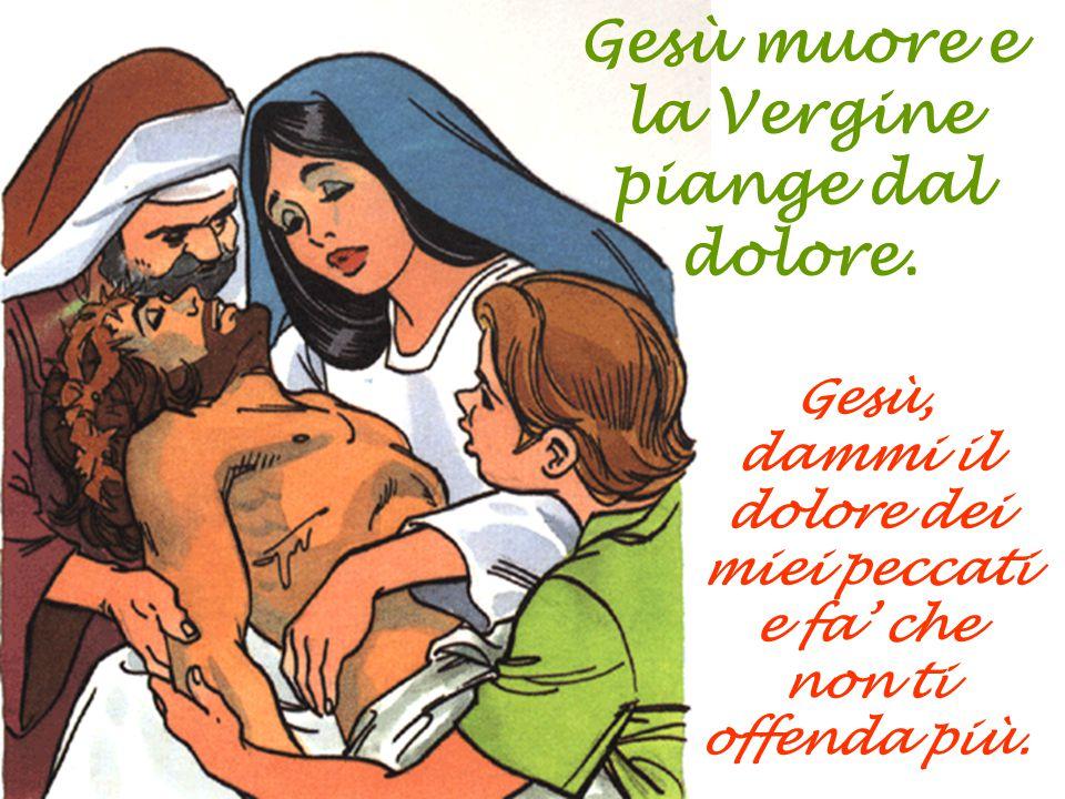 Discendono Gesù dalla croce mettendolo tra le braccia di sua madre.
