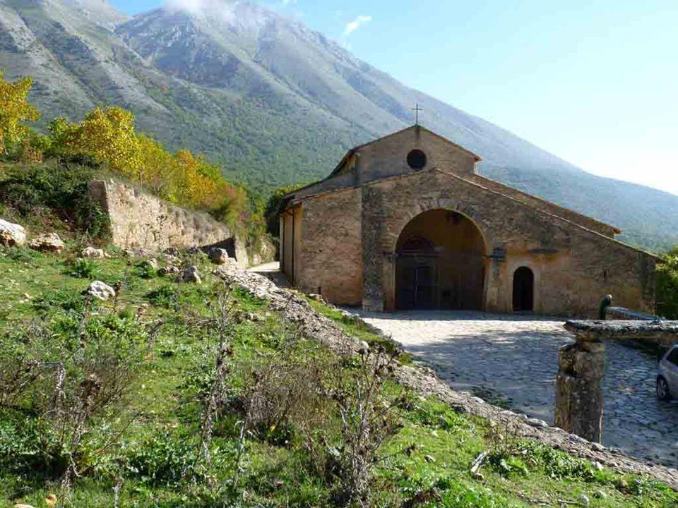 La Chiesa, dunque, fin dagli inizi è il luogo della fede, il luogo della trasmissione della fede, il luogo in cui, per il Battesimo, si è immersi nel