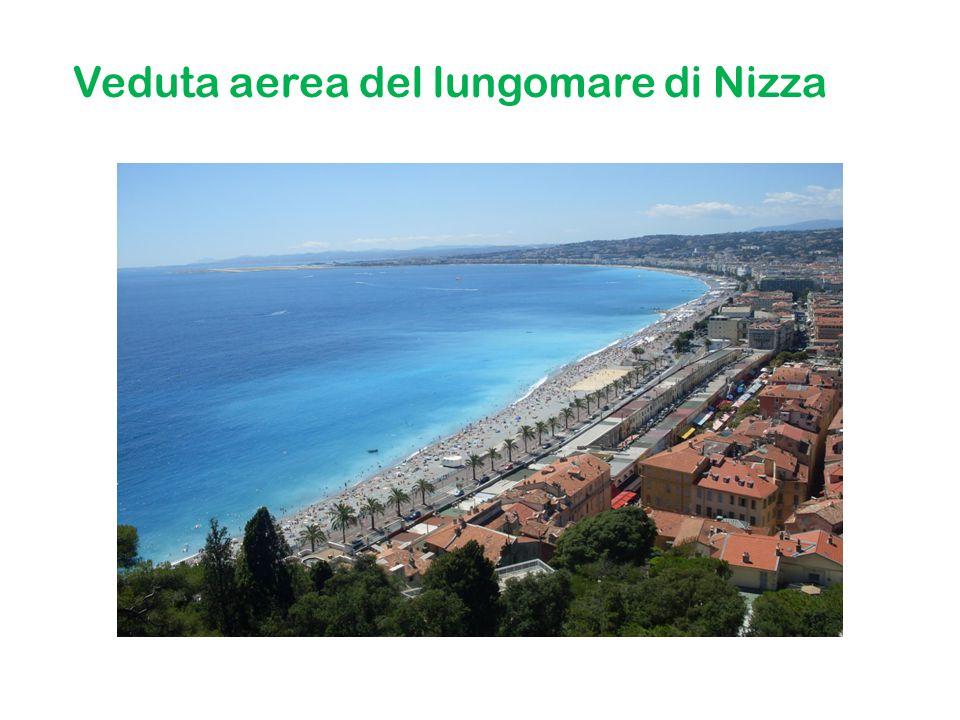 Veduta aerea del lungomare di Nizza