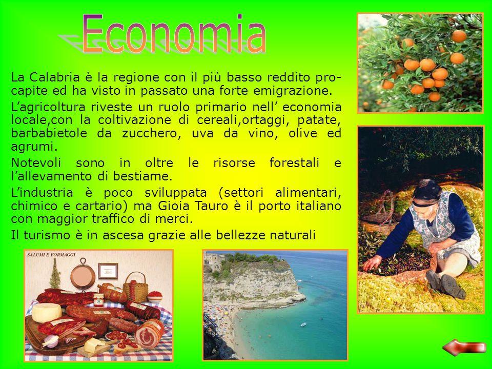 Sulle coste la Calabria presenta un clima tipicamente mediterraneo la costa Ionica è più calda e secca di quella Tirrenica ed è una delle zone più cal