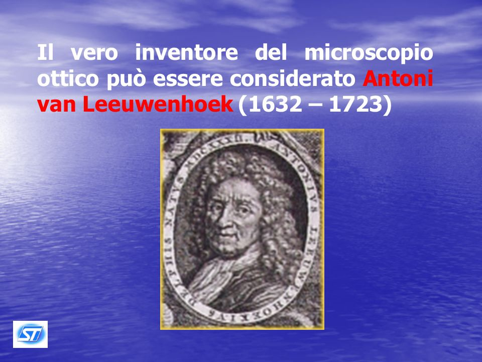 Attorno al 1660 Robert Hooke (1635- 1703) autore di un'opera monumentale la Micrographia , perfezionò questo primo strumento con l'aggiunta di una terza lente.