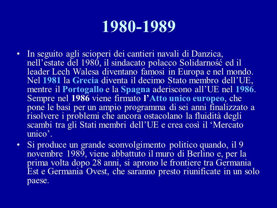 1980-1989 In seguito agli scioperi dei cantieri navali di Danzica, nell'estate del 1980, il sindacato polacco Solidarność ed il leader Lech Walesa div