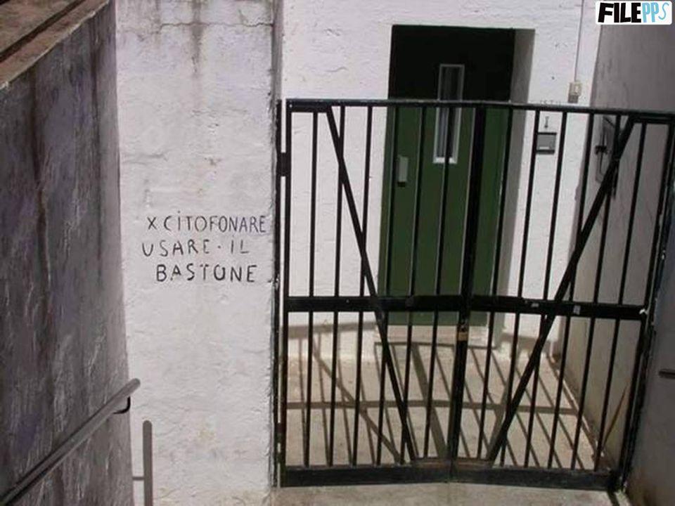 …e altre scritte trovate in giro per Napoli… - - MOBILIFICIO: - MOBILIFICIO: Si vendono letti a castello per bambini di legno.