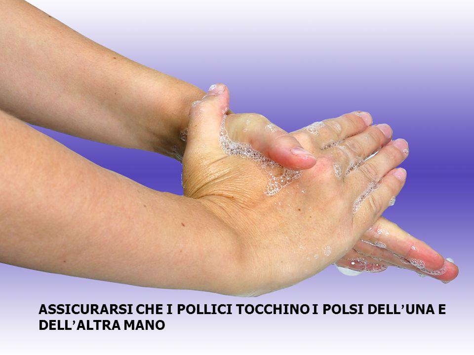 ASSICURARSI CHE I POLLICI TOCCHINO I POLSI DELL ' UNA E DELL ' ALTRA MANO