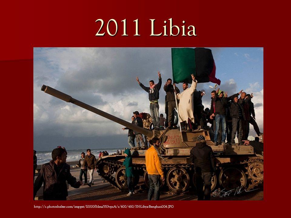 2011 Libia http://c.photoshelter.com/img-get/I0000fMmaY83vpcA/s/600/480/SN-Libya-Benghazi006.JPG