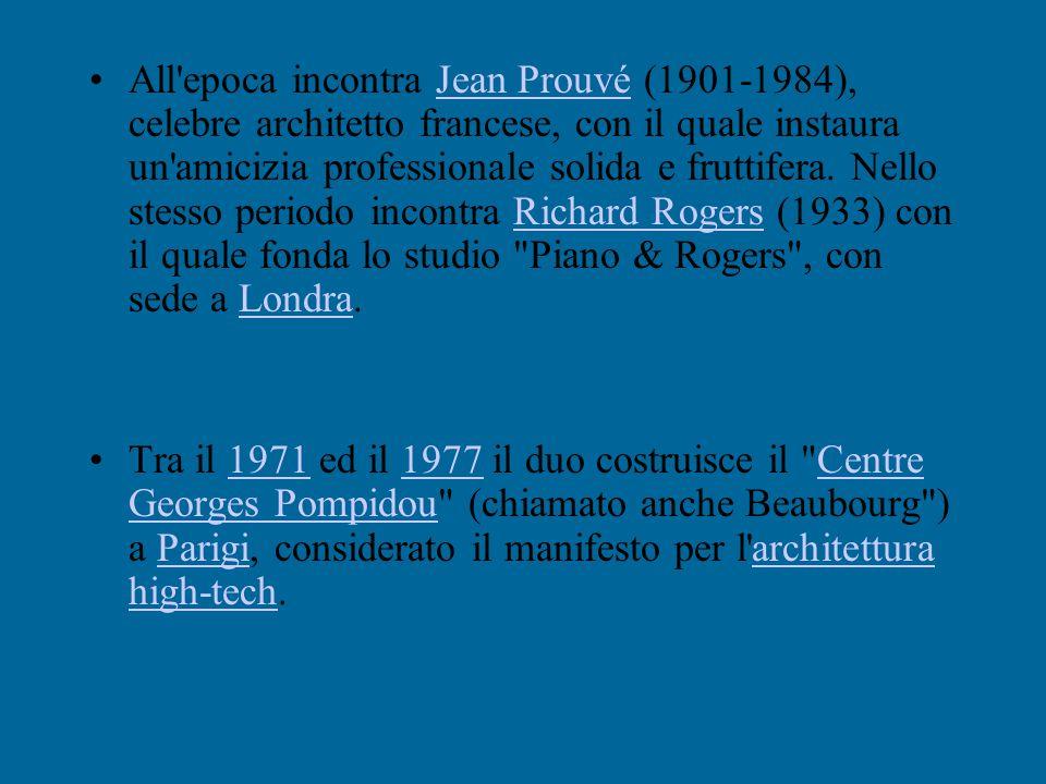Nasce a Genova-Pegli il 14 settembre1937. Frequenta l'Università di Architettura di Firenze e Milano; laureatosi nel 1964 alPolitecnico di Milano dive