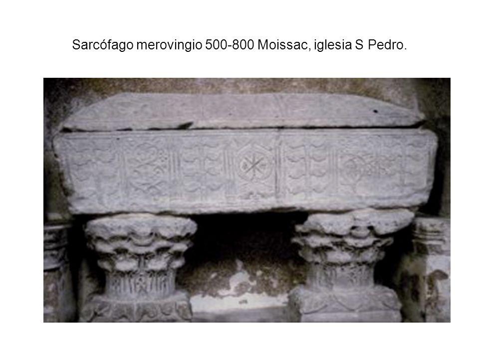 Sarcófago merovingio 500-800 Moissac, iglesia S Pedro.