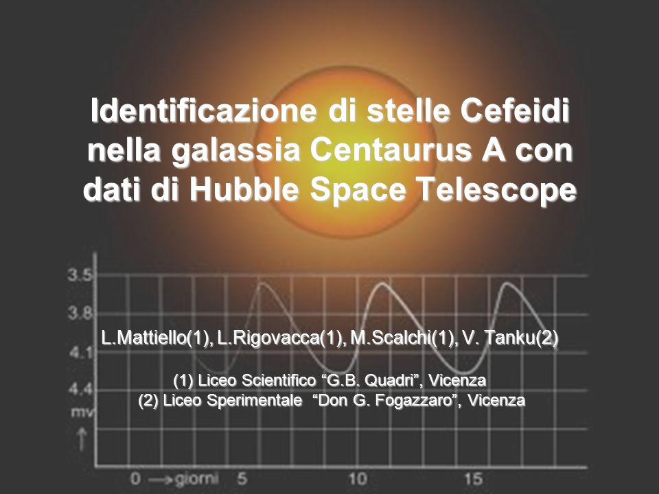 Le Cefeidi Le stelle Cefeidi sono delle stelle variabili che devono il proprio nome alla prima stella del genere che e stata scoperta, Delta Cephei (al centro dell'immagine).