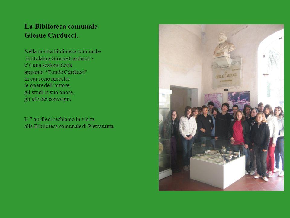 """La Biblioteca comunale Giosue Carducci. Nella nostra biblioteca comunale- intitolata a Giosue Carducci'- c'è una sezione detta appunto """" Fondo Carducc"""