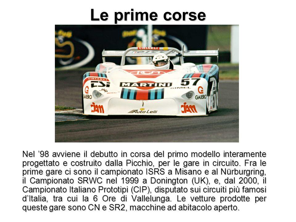 Le prime corse Nel '98 avviene il debutto in corsa del primo modello interamente progettato e costruito dalla Picchio, per le gare in circuito. Fra le