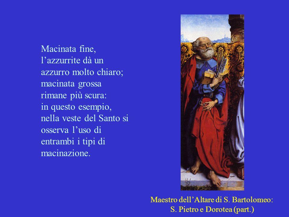 Macinata fine, l'azzurrite dà un azzurro molto chiaro; macinata grossa rimane più scura: in questo esempio, nella veste del Santo si osserva l'uso di