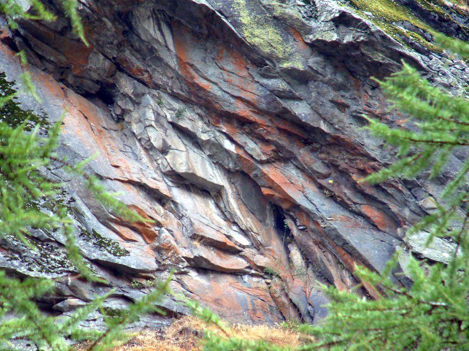 Valnontey lastre di pietra