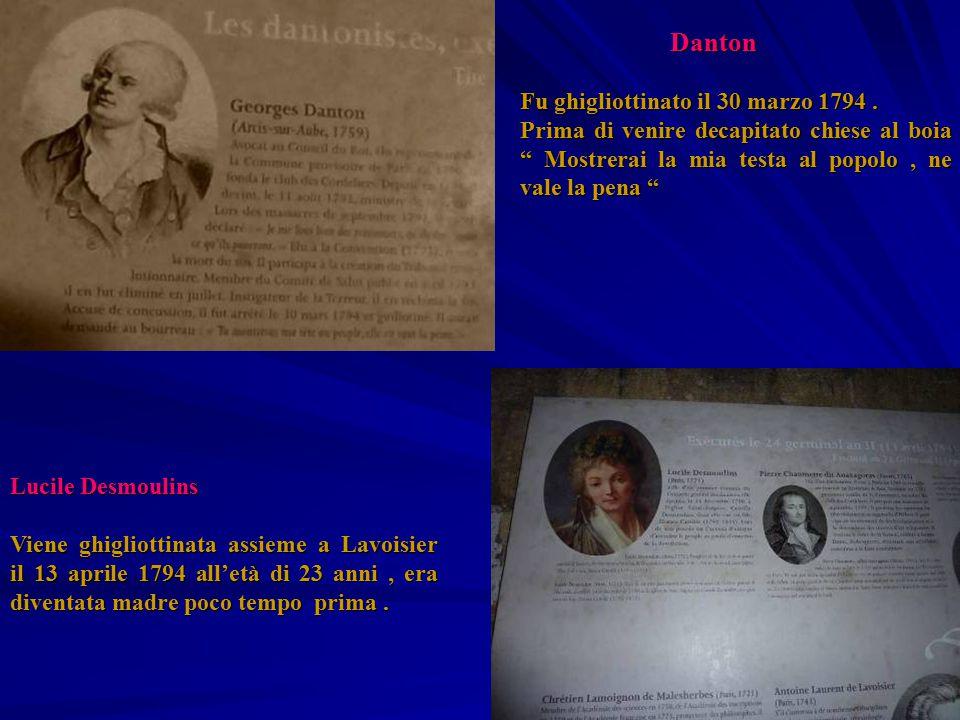 """Danton Danton Fu ghigliottinato il 30 marzo 1794. Prima di venire decapitato chiese al boia """" Mostrerai la mia testa al popolo, ne vale la pena """" Luci"""