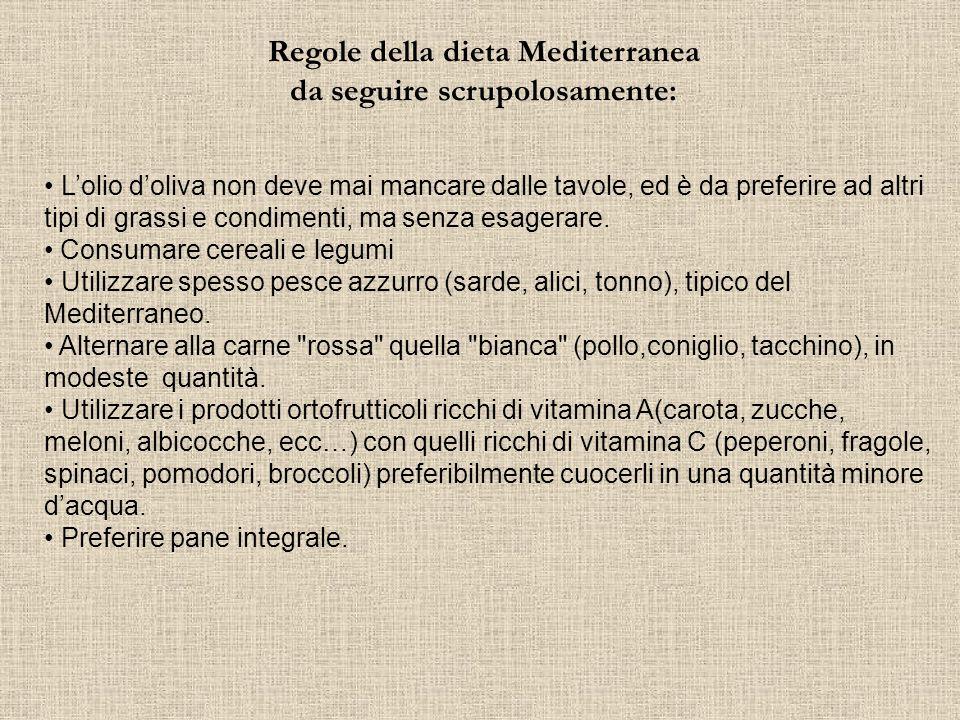 Frutta Fresca di stagione e Frutta Secca La frutta occupa il posto principale nella Dieta Mediterranea, in quanto essa è caratterizzata in particolare