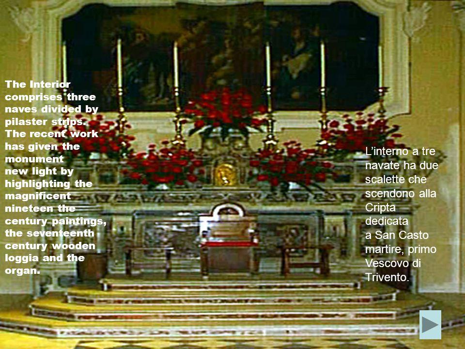 A stretto contatto con la cattedrale è il palazzo Vescovile; anch'esso recuperato da recenti restauri,conserva al suo interno un piccolo scrigno di cultura millenaria: la Biblioteca Giulia,una piccola,ma preziosa biblioteca composta di oltre 5000 volumi.