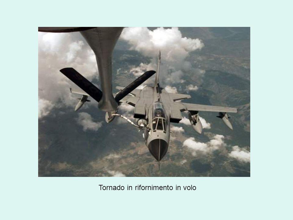Tornado in rifornimento in volo