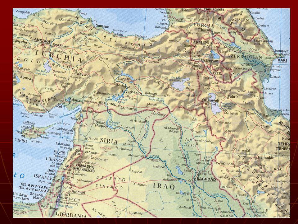 Politicamente si divide in: Kurdistan settentrionale: occupa l'Anatolia orientale e comprende 18 delle 67 province della Turchia (225.000 kmq.