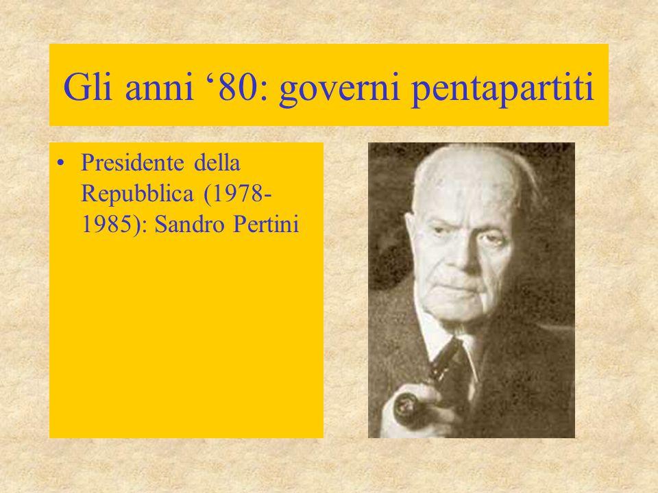 """Verso la Seconda repubblica 26 gennaio 1994: nascita della Forza Italia Silvio Berlusconi –imprenditore di successo (la Fininvest: uno dei più grossi conglomerati privati) –tre reti televisive –linguaggio di ottimismo (""""la corsa al benessere riprenderà ) """"partito aziendale"""