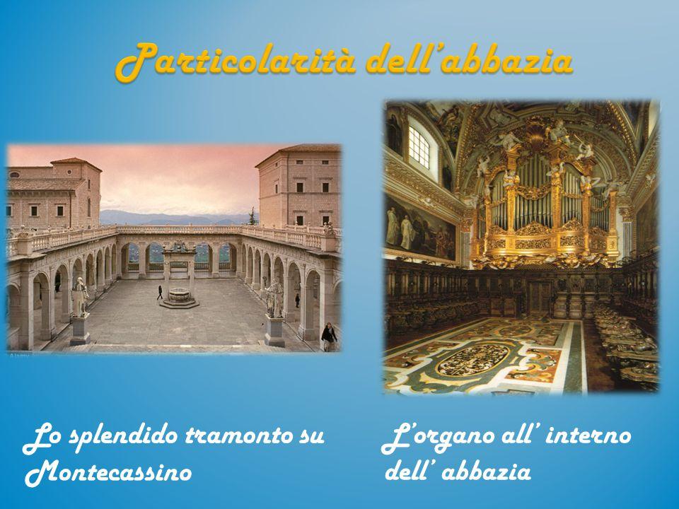 L'organo all' interno dell' abbazia