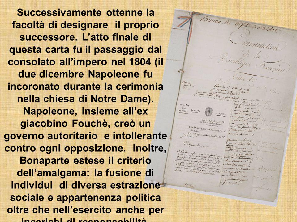 Sieyès e Bonaparte elaborarono una nuova carta costituzionale: la costituzione dell'anno VIII, che entrò in vigore il 25 dicembre 1799 e venne success