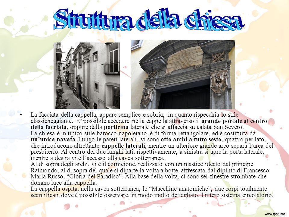 La facciata della cappella, appare semplice e sobria, in quanto rispecchia lo stile classicheggiante.