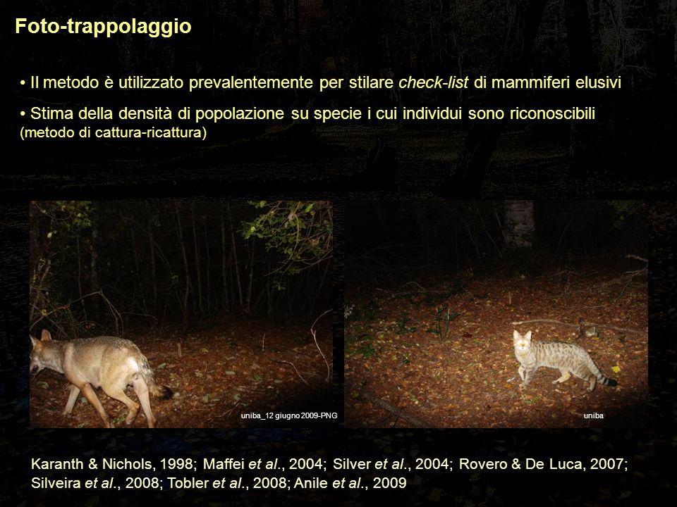 Foto-trappolaggio Stima di densità senza il riconoscimento individuale Modello che descrive le frequenze di contatto tra animali e foto-trappole da cui è possibile ottenere un estimatore della D (Rowcliffe et al., 2008) Il trapping rate è correlato alla densità:  O'Brien et al., 2003 – tigre e prede (4 specie di ungulati): R 2 =0,79;  Rowcliffe et al., 2008 – ungulati in semi-cattività: R 2 =0,69;  Rovero & Marshall, 2009 – 1 specie di ungulato: R 2 =0,90.