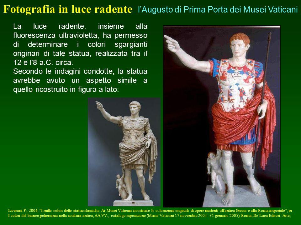 La luce radente, insieme alla fluorescenza ultravioletta, ha permesso di determinare i colori sgargianti originari di tale statua, realizzata tra il 1