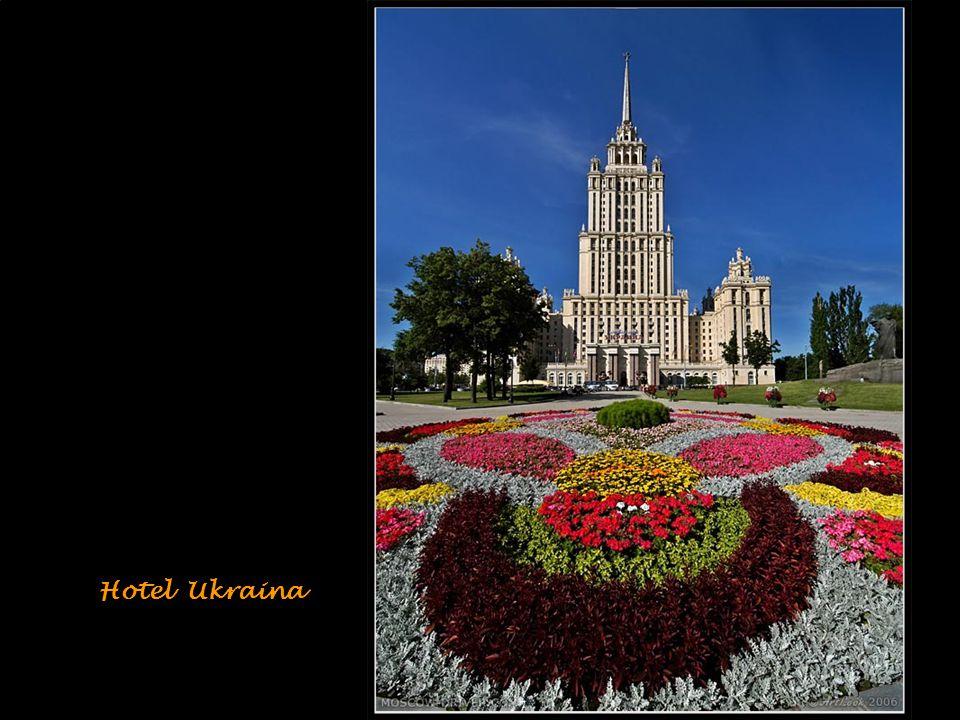 Monumento/obelis co in onore di Yuri Gagarin, il primo astronauta