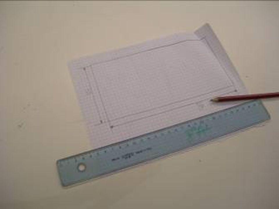 Con righello e matita Luca ha tracciato il disegno definitivo e da vero geometra ha quotato il progetto!