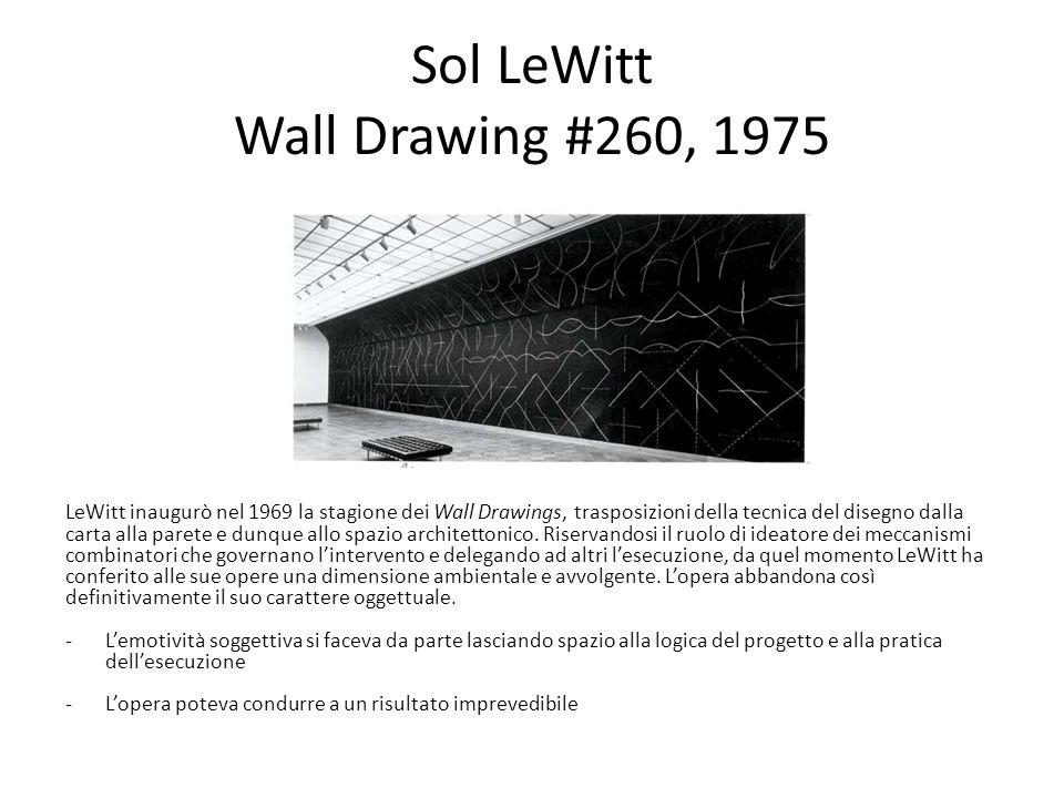 Sol LeWitt Wall Drawing #260, 1975 LeWitt inaugurò nel 1969 la stagione dei Wall Drawings, trasposizioni della tecnica del disegno dalla carta alla pa