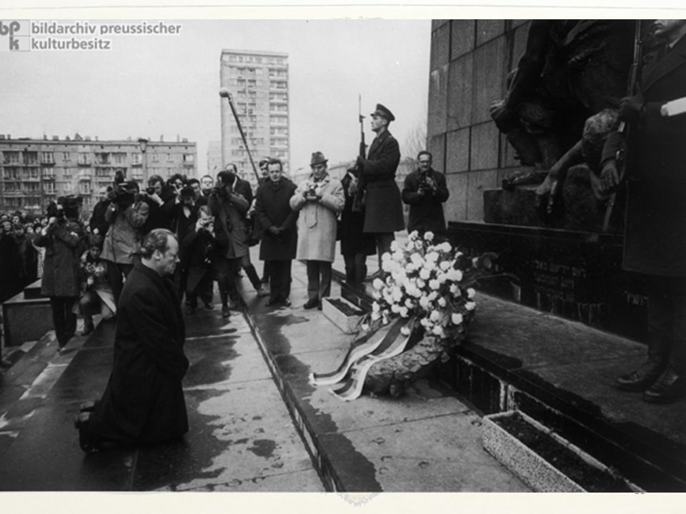 La distensione europea In concreto, il governo Brandt normalizzava le relazioni tra la Repubblica Federale Tedesca e l'Unione Sovietica, poi con tutti i vicini orientali.