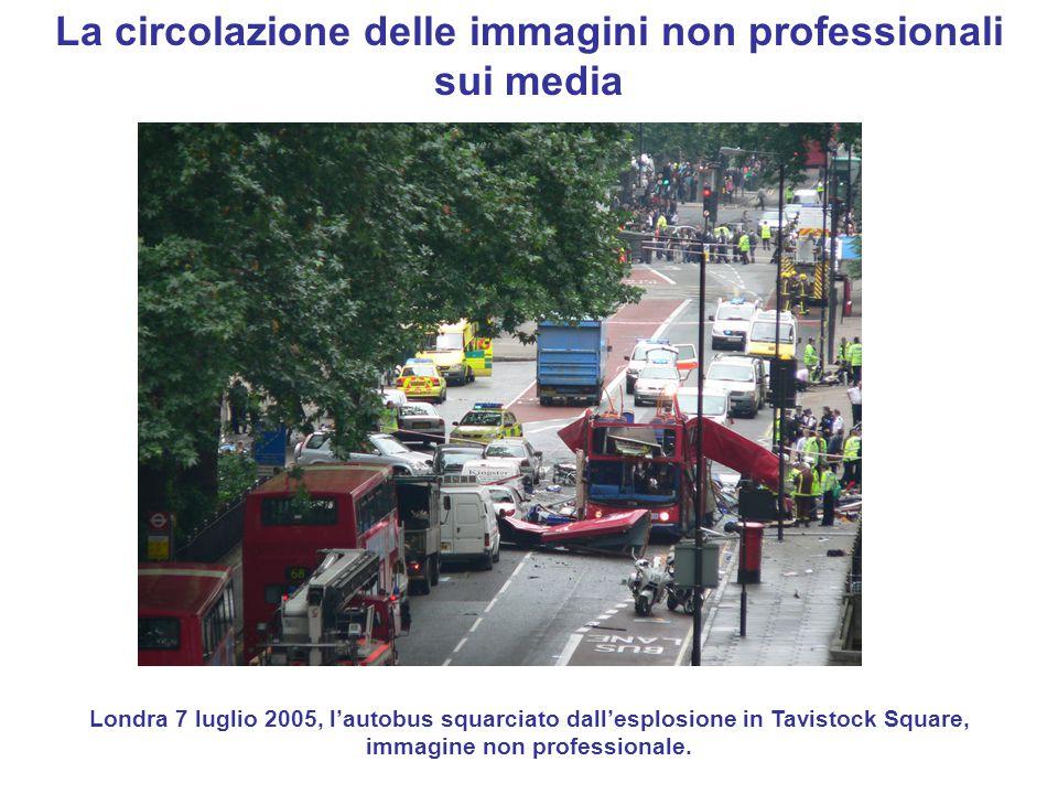 La circolazione delle immagini non professionali sui media Londra 7 luglio 2005, l'autobus squarciato dall'esplosione in Tavistock Square, immagine no
