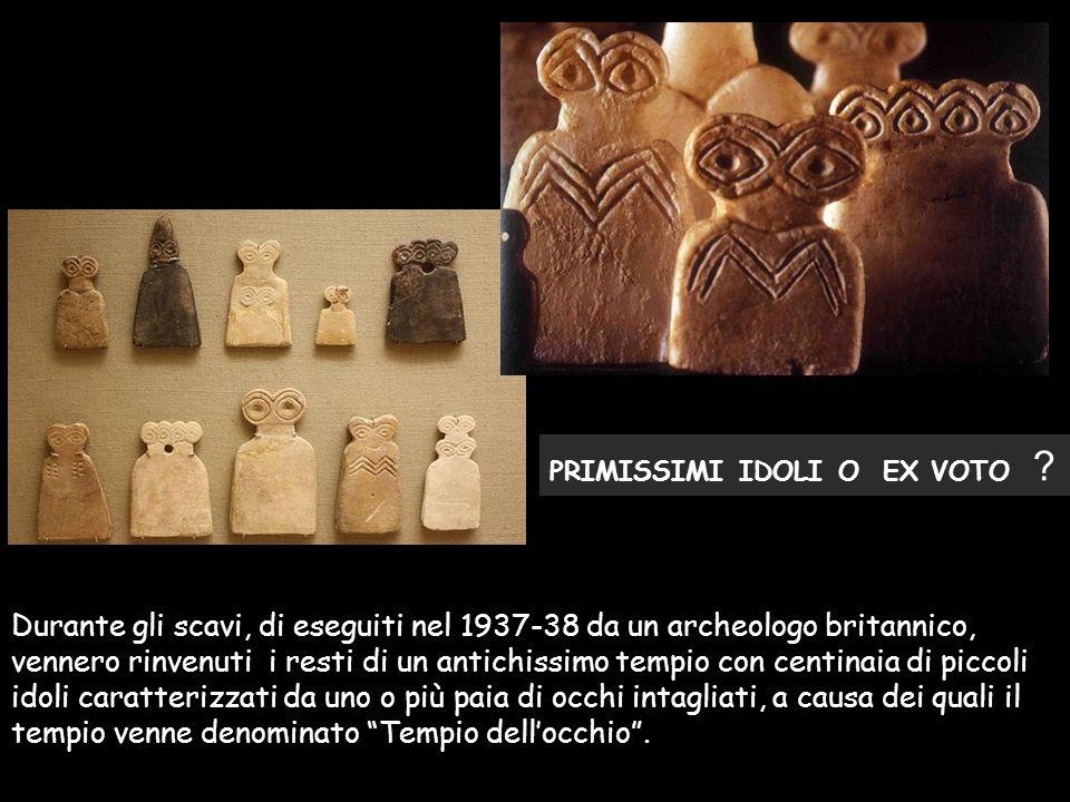 Durante gli scavi, di eseguiti nel 1937-38 da un archeologo britannico, vennero rinvenuti i resti di un antichissimo tempio con centinaia di piccoli i