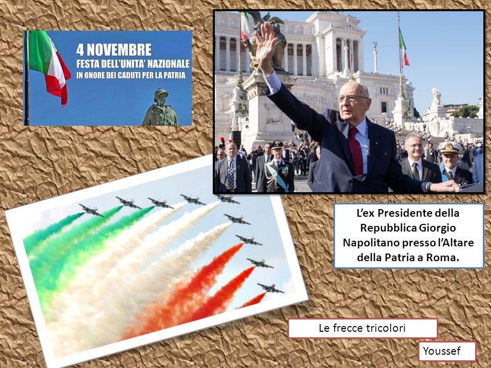 L'ex Presidente della Repubblica Giorgio Napolitano presso l'Altare della Patria a Roma. Le frecce tricolori Youssef