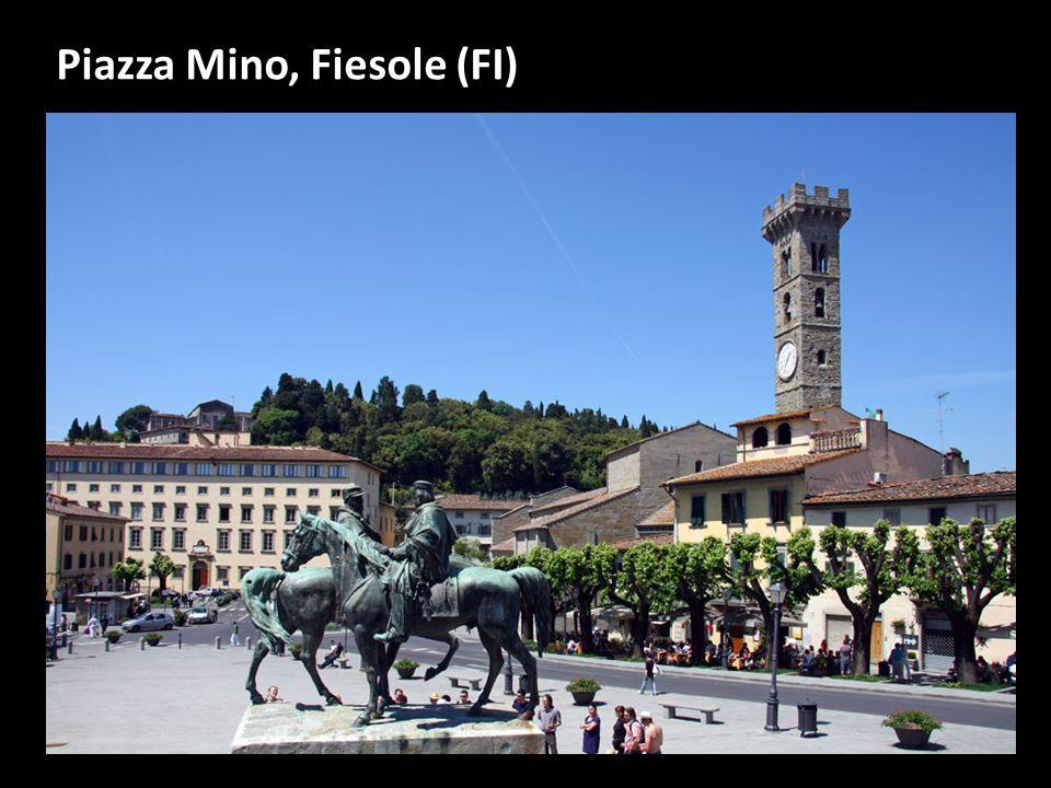 L arca di Francesco d Accorso e di suo padre Accursio a Bologna Francesco d'Accorso Giurista e letterato fiorentino, nato a Bologna nel 1225 e morto nel 1293.