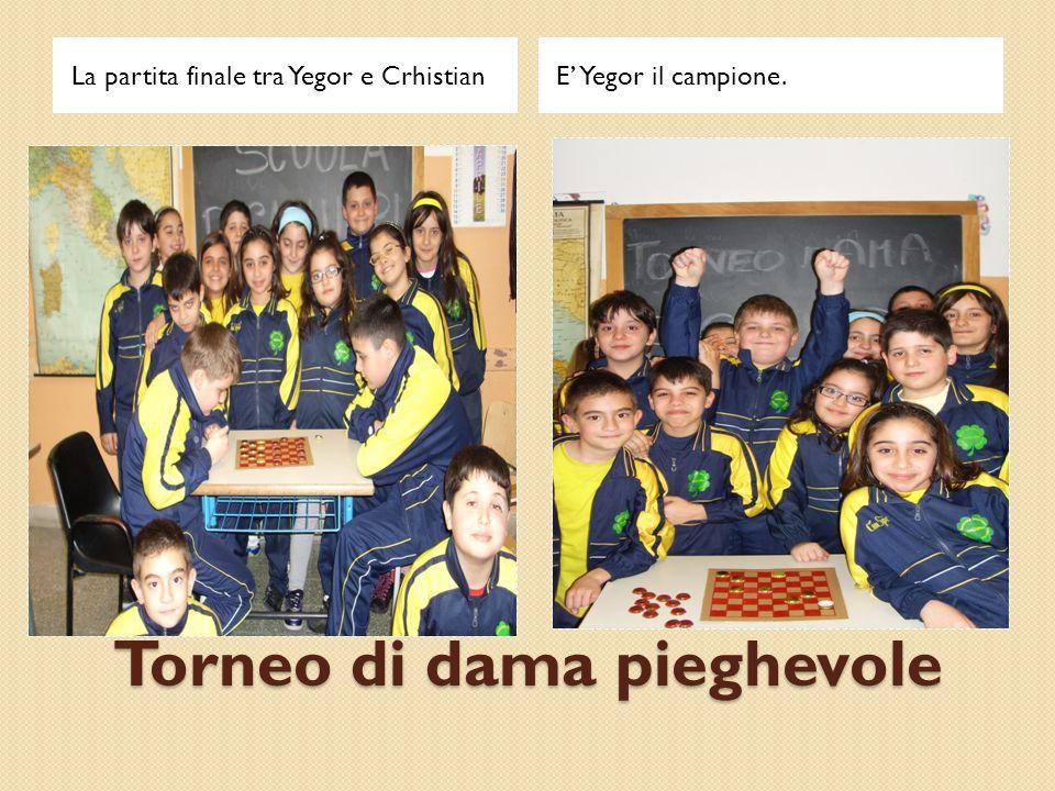Torneo di dama pieghevole La partita finale tra Yegor e CrhistianE' Yegor il campione.
