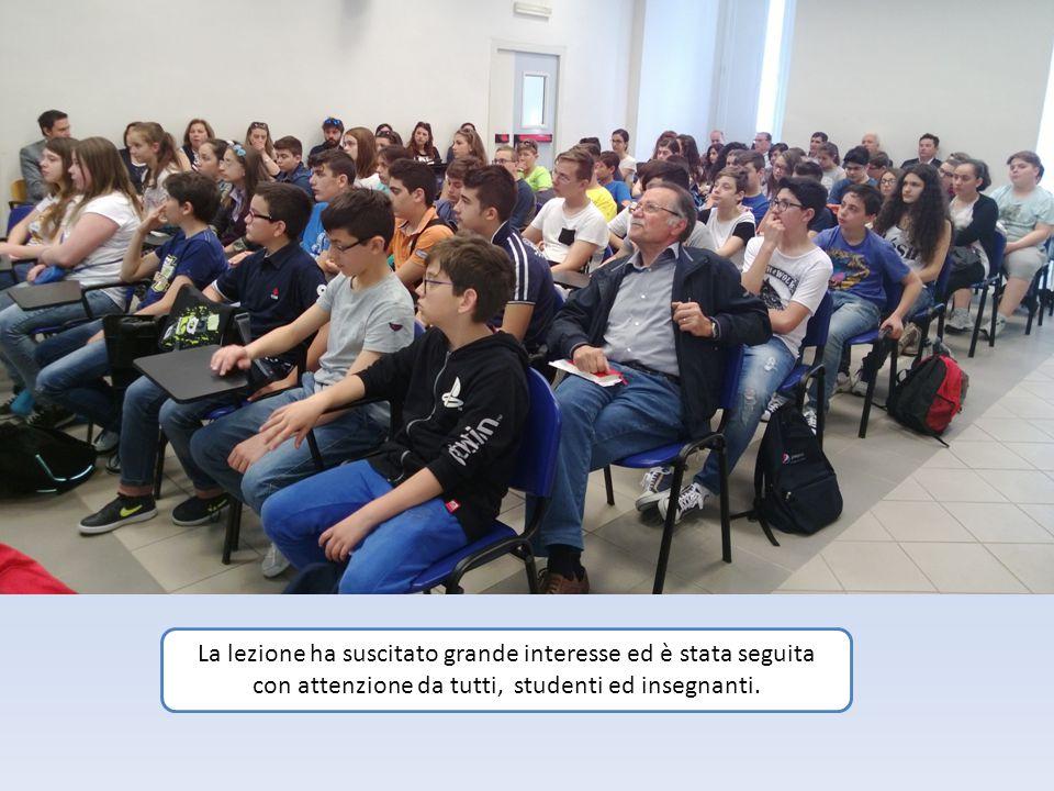 La lezione ha suscitato grande interesse ed è stata seguita con attenzione da tutti, studenti ed insegnanti.